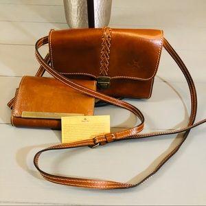 Nwot Patricia Nash crossbody& wallet combo
